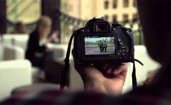 Máy ảnh chuyên nghiệp Canon EOS 700D quay phim chất lượng FHD
