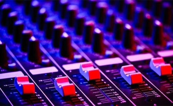 Amply Acnos SA88N chỉnh âm đa dạng
