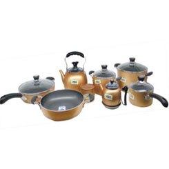 Bếp hồng ngoại Sunhouse SHD6005 có thể sử dụng nhiều loại nồi, chảo