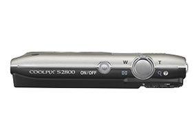 Máy ảnh Nikon Coolpix S2800 thiết kế nhỏ gọn, dễ dàng mang đi
