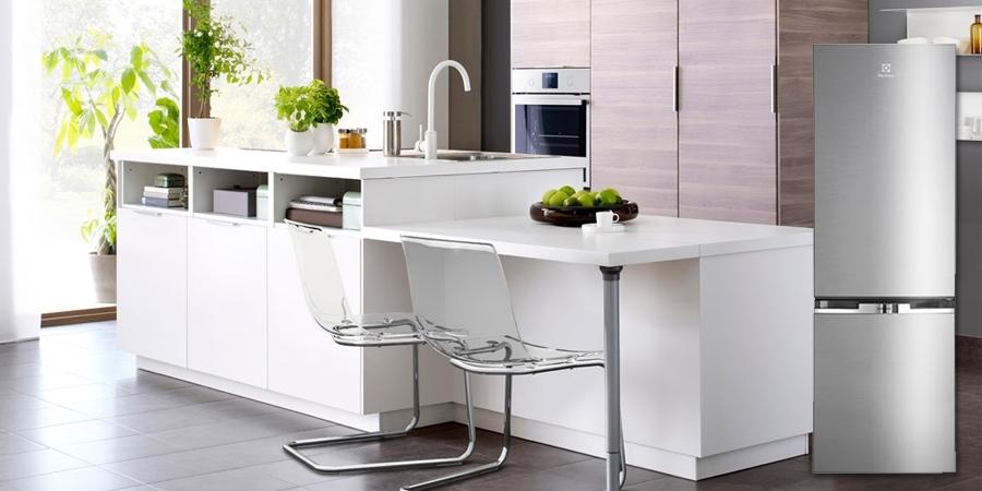 Tủ lạnh loại nào tốt? Tủ lạnh Electrolux EBB3200MG 310 lít