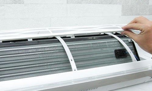 Máy lạnh Samsung AR12JVFSBWKNSV 1.5 HP có lưới lọc tháo rời được
