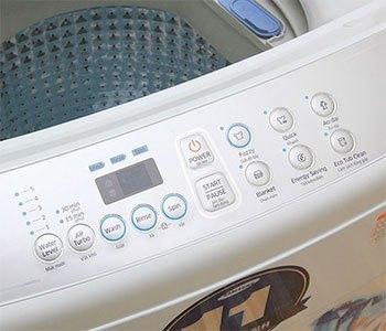 Máy giặt Samsung WA82H4200SW có bảng điều khiển tiếng Việt
