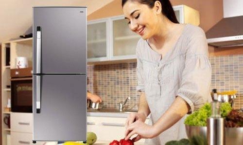 Tủ lạnh Aqua AQR-IP285AB 284 lít có thiết kế tiện dụng