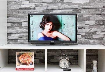 Tivi LED Samsung UA28J4100 trang bị màn hinh 24 inches