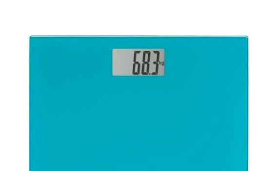 Cân sức khoẻ Omron HN-289 hiển thị cân nặng chính xác