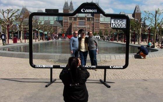 Máy ảnh Canon EOS 1200D quay phim Full HD