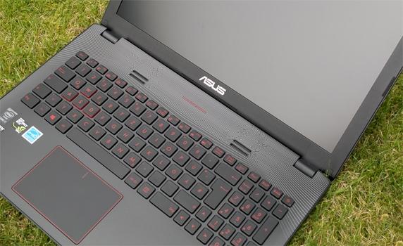 Máy tính xách tay Asus ROG GL552JX trang bị bàn phím thông minh