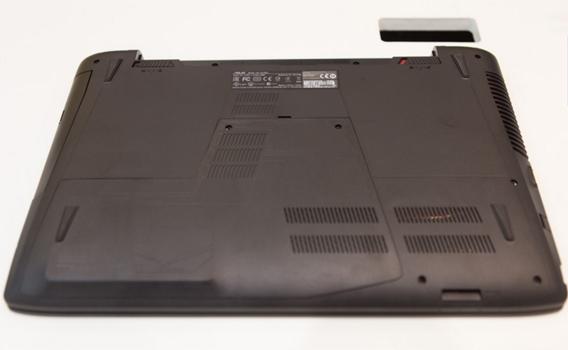 Máy tính xách tay Asus ROG GL552JX với ổ đĩa cứng 1 TB
