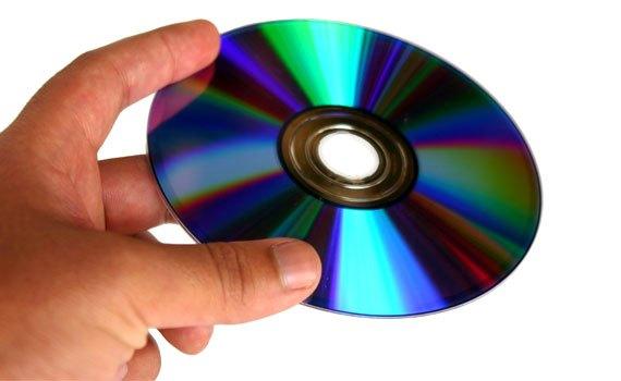 Máy tính xách tay Dell Inspiron 15 3543 trang bị ổ đĩa quang DVD