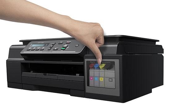 Nắp ngăn máy in phun màu Brother DCP-T300 bằng nhựa trong dễ quan sát.