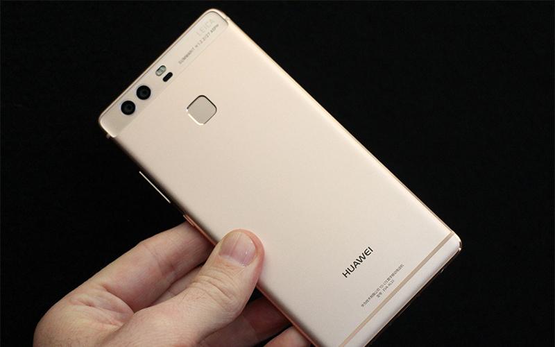 Điện thoại Huawei P9 gold có camera trước 8MP