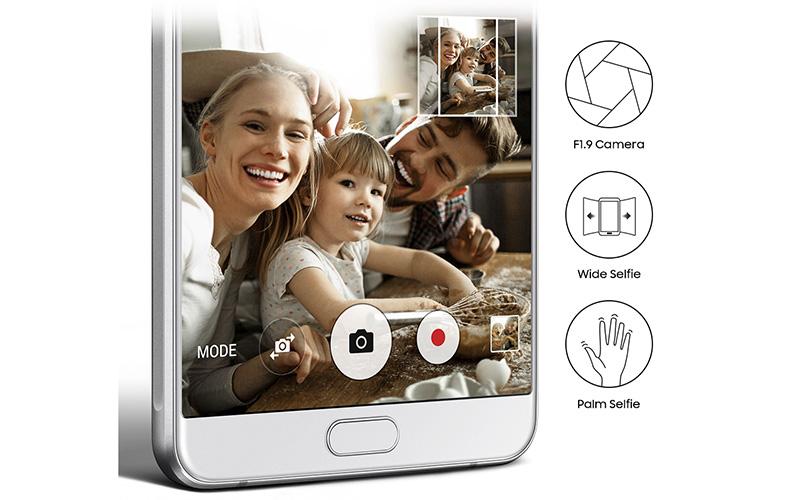 Điện thoại Samsung Galaxy A9 Pro camera trước 8MP góc rộng