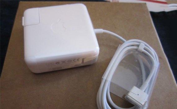 Sạc Apple 60W MagSafe 2 Power Adapter MD565ZA/B có độ bền cao