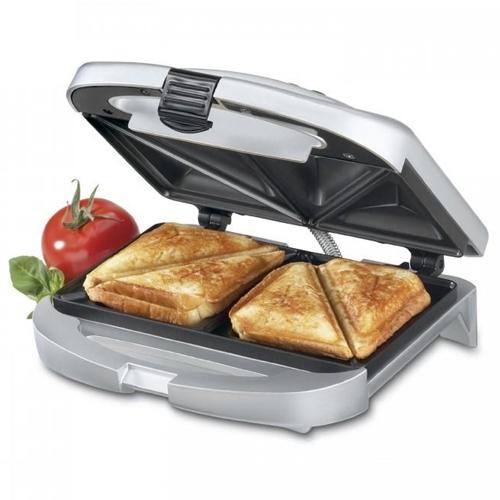 Với chiếc máy làm sandwich Tefal SM1551 này thì việc chuẩn bị những bữa ăn sáng với bánh mì sandwich hoặc làm bánh hotdog tại nhà sẽ trở nên vô cùng dễ dàng đối với bạn.
